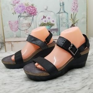 Naot black strap platform wedges sz 42 ladies 11